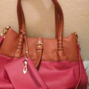 Black rivet Beautiful purse - lots of extras